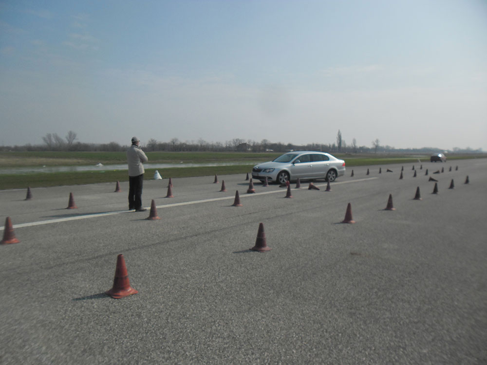 Autós vezetéstechnikai tréning 1