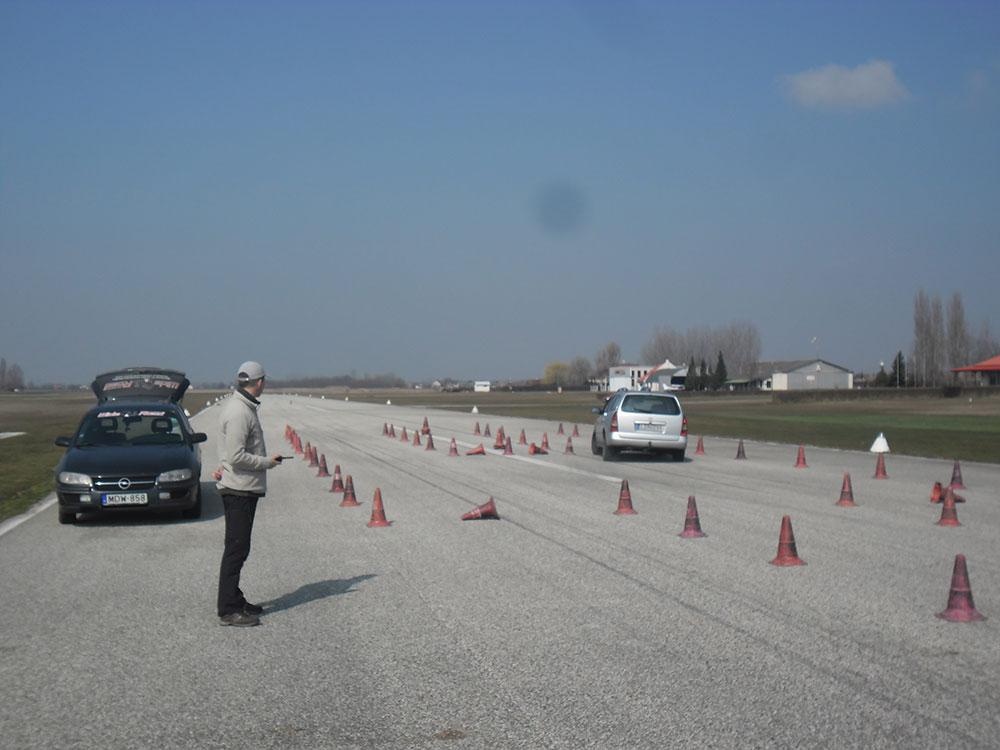 Autós vezetéstechnikai tréning 3