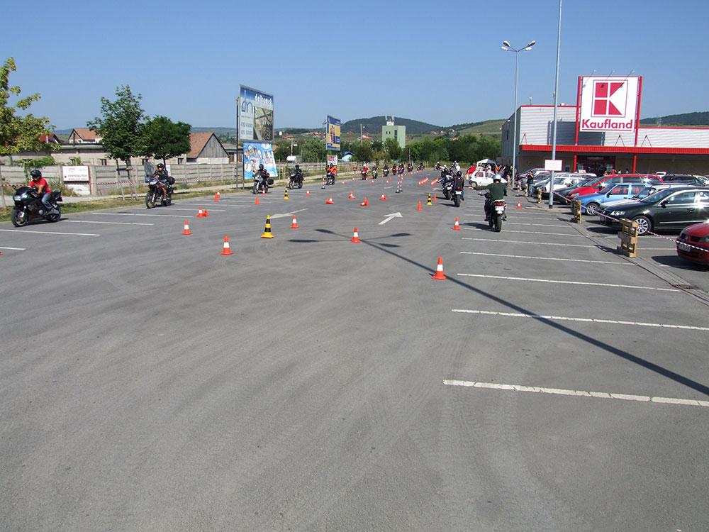 Motoros vezetéstechnikai tréning 1