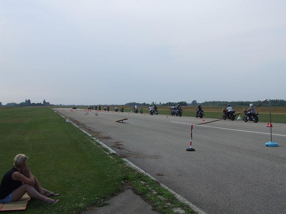 Motoros vezetéstechnikai tréning 3