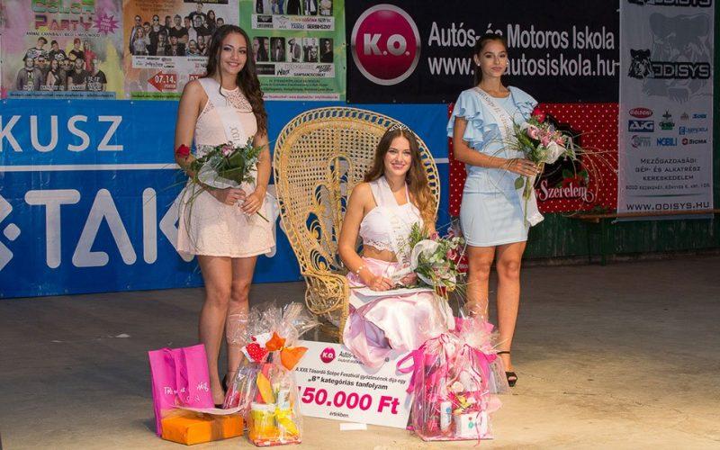 A K.O. Autós- és Motoros Iskola 2017-ben is díjazta a Tőserdő Fesztivál Szépségversenyének felnőtt győztesét